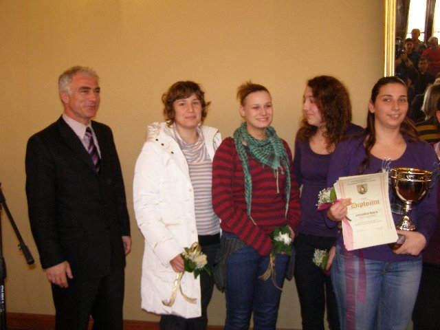 Svečano dodijeljene nagrade i priznanja najuspješnijim športašima grada Šibenika za 2009. godinu