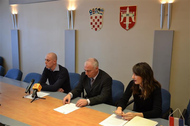 """Župan primio Vicu Krnčevića, nakon povratka iz Portugala sa međunarodne razmjene mladih """"Eurodyssee"""""""