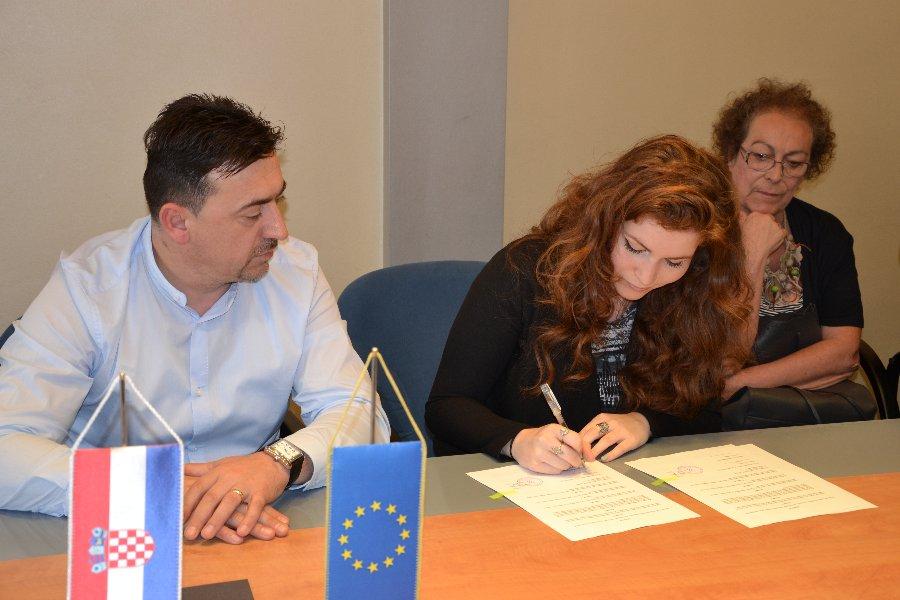 Heloise Meziani iz Bruxellesa i Monica Vitale iz Perugije dolaze na profesionalno i jezično usavršavanje u Šibensko-kninsku županiju