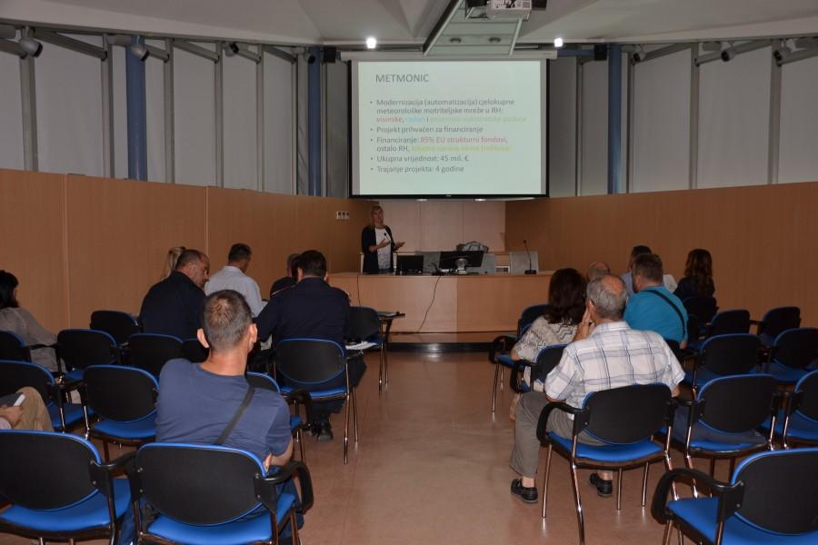 """Prezentacija projekta """"Modernizacija meteorološke motriteljske mreže u Republici Hrvatskoj — METMONIC"""