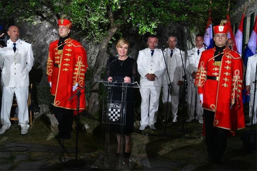 Na kninskoj tvrđavi održan svečani prijem ratnih zapovjednika