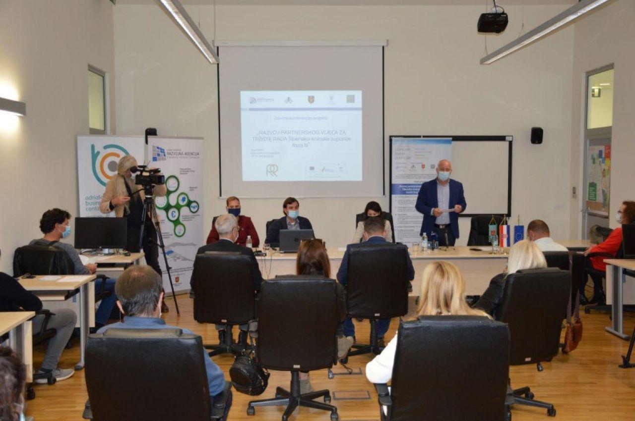 """Održana završna konferencija projekta """"Razvoj partnerskog vijeća za tržište rada Šibensko-kninske županije faza III"""""""