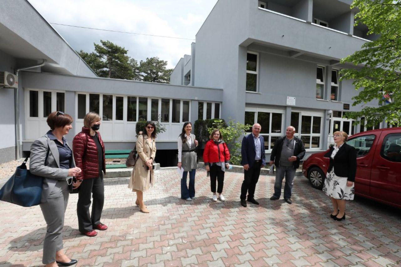 """Održana završna konferencija projekta """"Energetska obnova Doma za starije i nemoćne osobe Knin"""""""